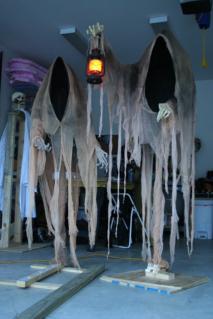 Cloaked Ghosts Halloween yard decoration Halloween Pinterest - Ghost Halloween Decorations