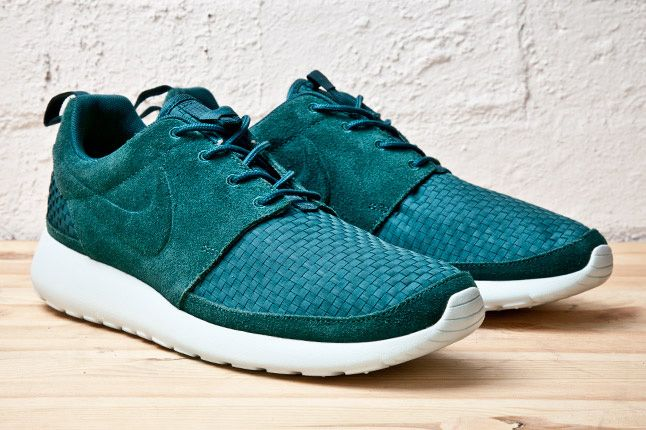 Nike Roshe Run Woven Pack  0af574969
