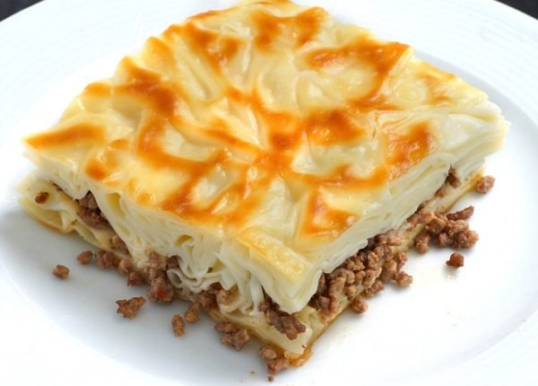 طريقة عمل البوريك التركي باللحم المفروم طريقة Recipe Turkish Recipes Turkish Cheese Cheese Tasting