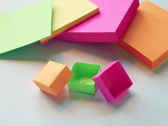 Adorable origami post-it boxes