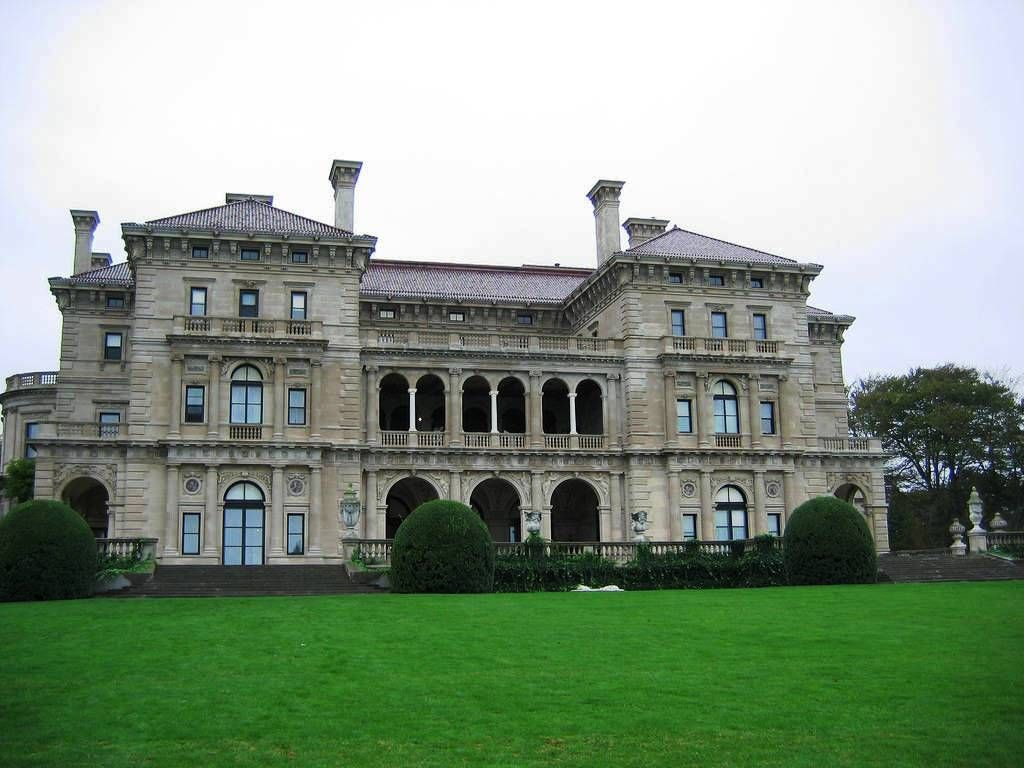 Great american mansions architectural styles manors and for Architectural styles of american homes