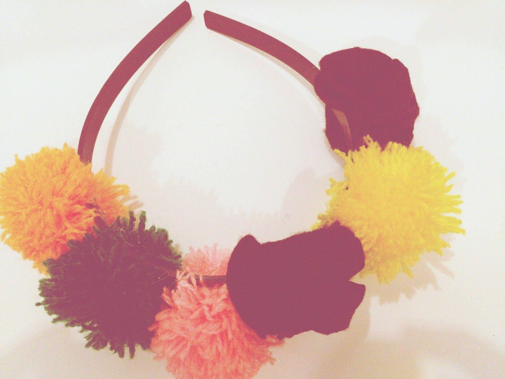 Head band pom-pom flower
