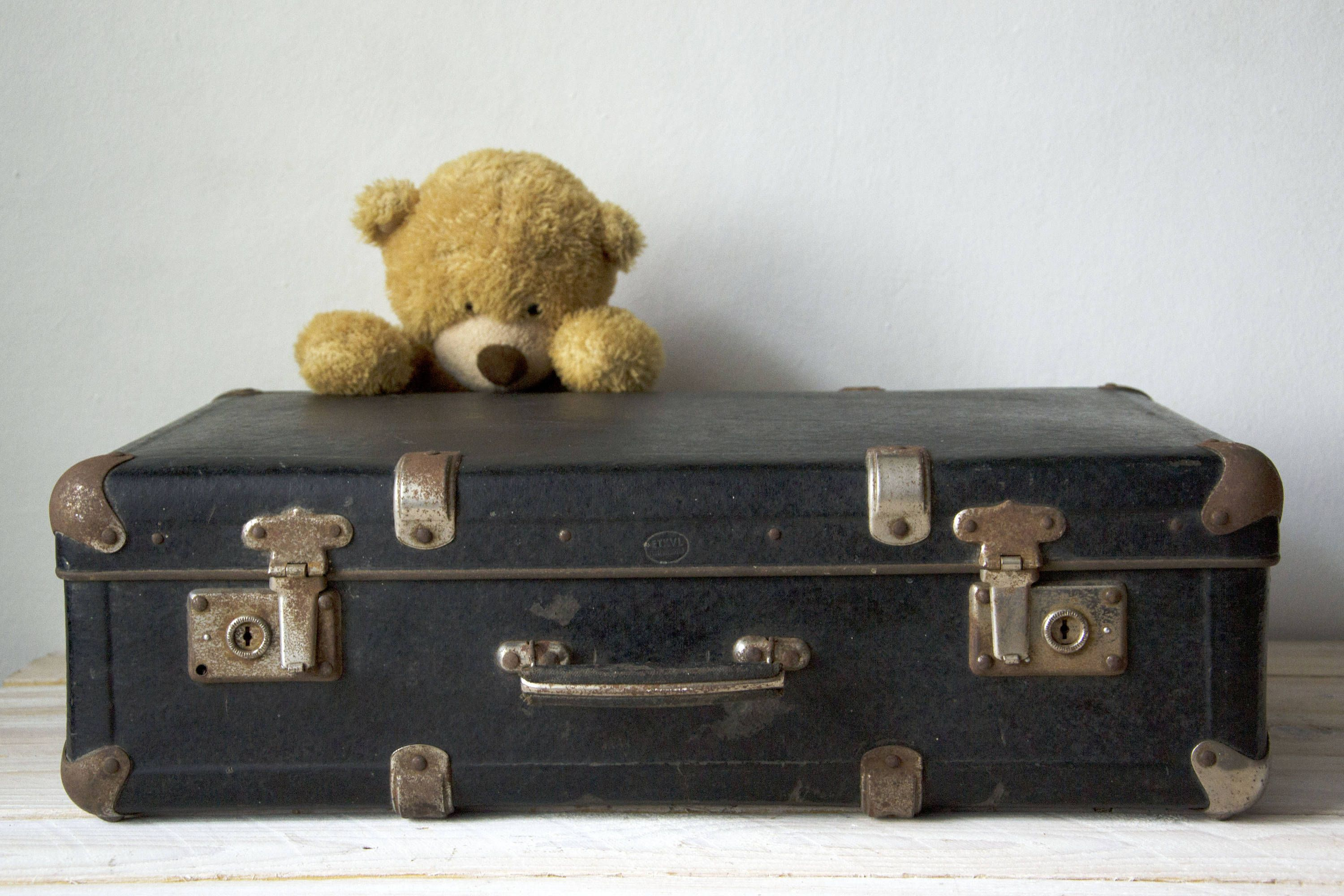 Awesome Vintage Black Suitcase, Big Suitcase, Large Suitcase, Briefcase, Old  Suitcase, Storage