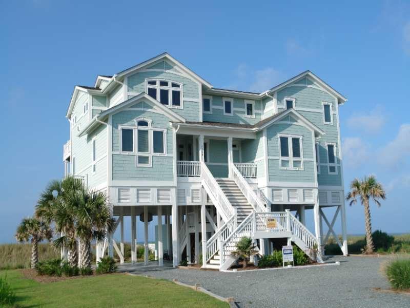 Holden Beach Rentals Holden Beach Vacation Rentals Benvenuto 1359 8 Bedroom Oceanfro North Carolina Beach House Beach House Exterior Oceanfront Rentals