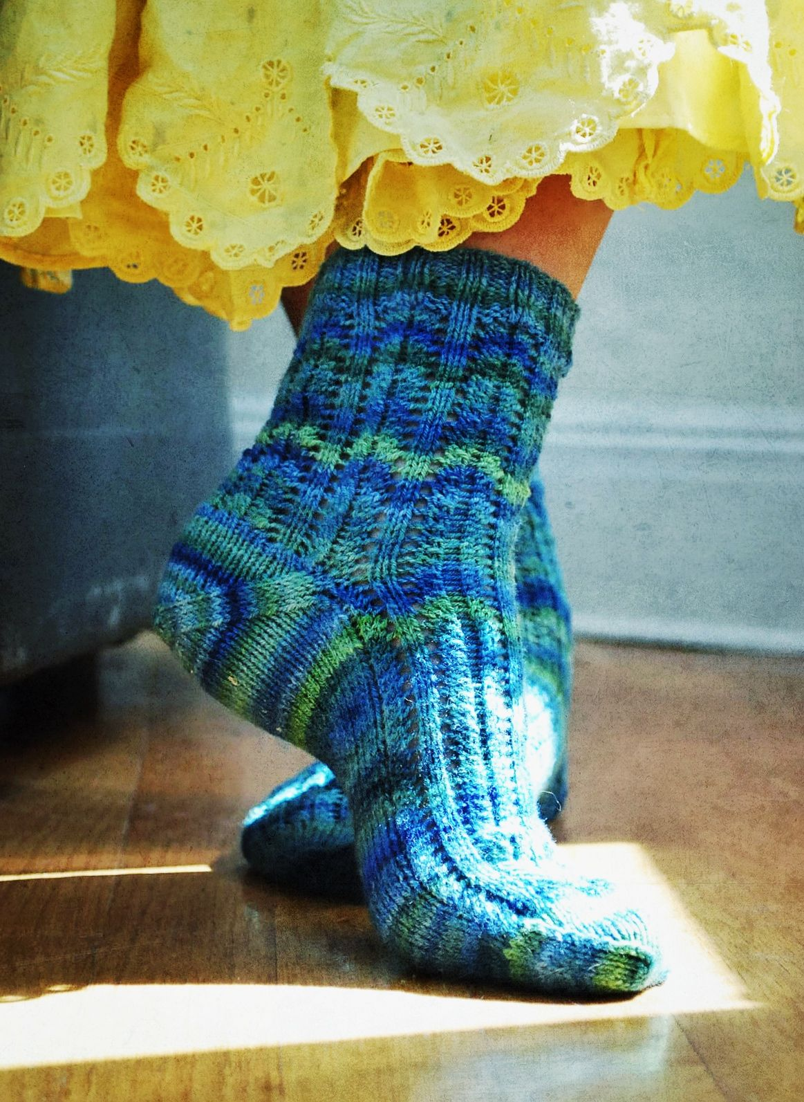 Groovy socks free sock knitting pattern on ravelry by caroline groovy socks free sock knitting pattern on ravelry by caroline hegwer bankloansurffo Gallery