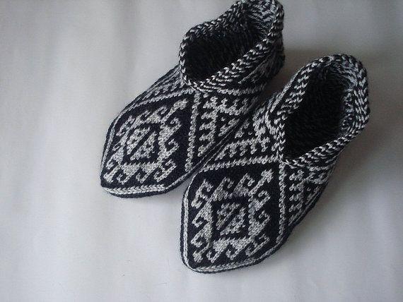 009ada90a6d27 Black white knit womens winter geometric slippers, Turkish Socks ...