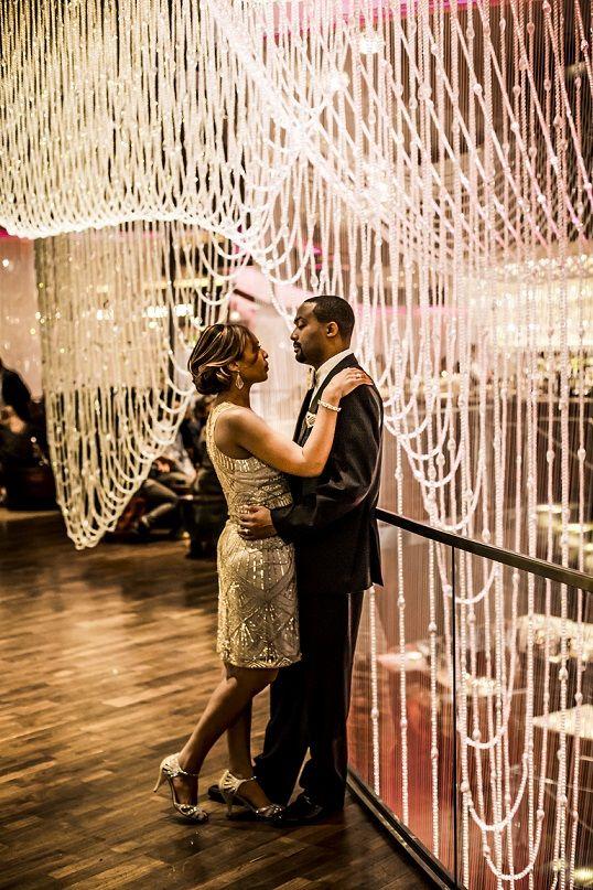 Chandelier Bar Cosmopolitan In Las Vegas Vegas Wedding Photos Las Vegas Wedding Photos Las Vegas Weddings