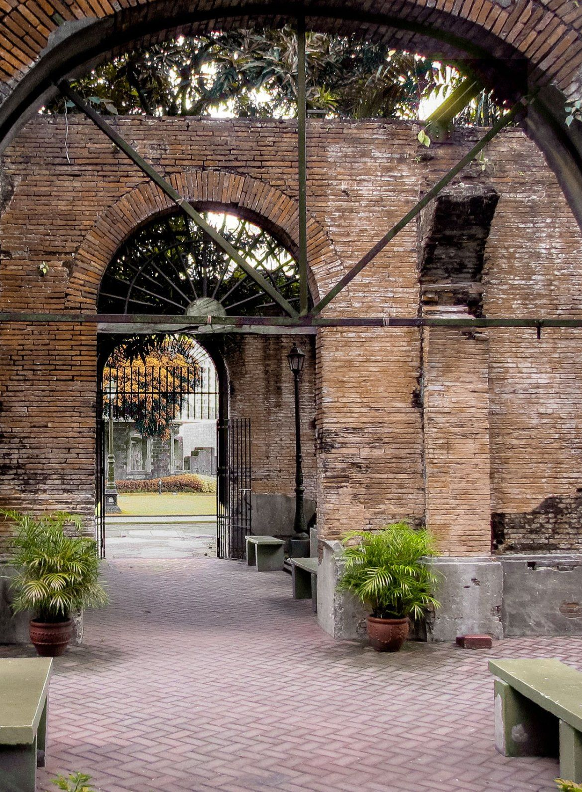 What To See In Fort Santiago Located Inside Intramuros Christobel Travel Fort Santiago Intramuros Jose Rizal