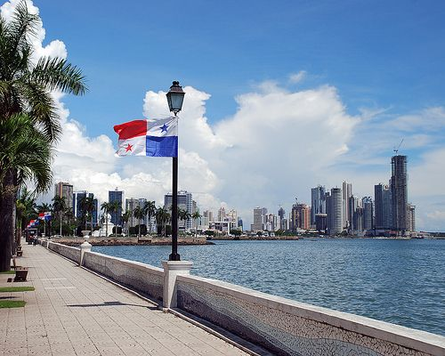 The Days of Yore. This is the Former Avenida Balboa in Panama City before the construction of the Cinta Costera avenue. Panama City, Republic of Panama.