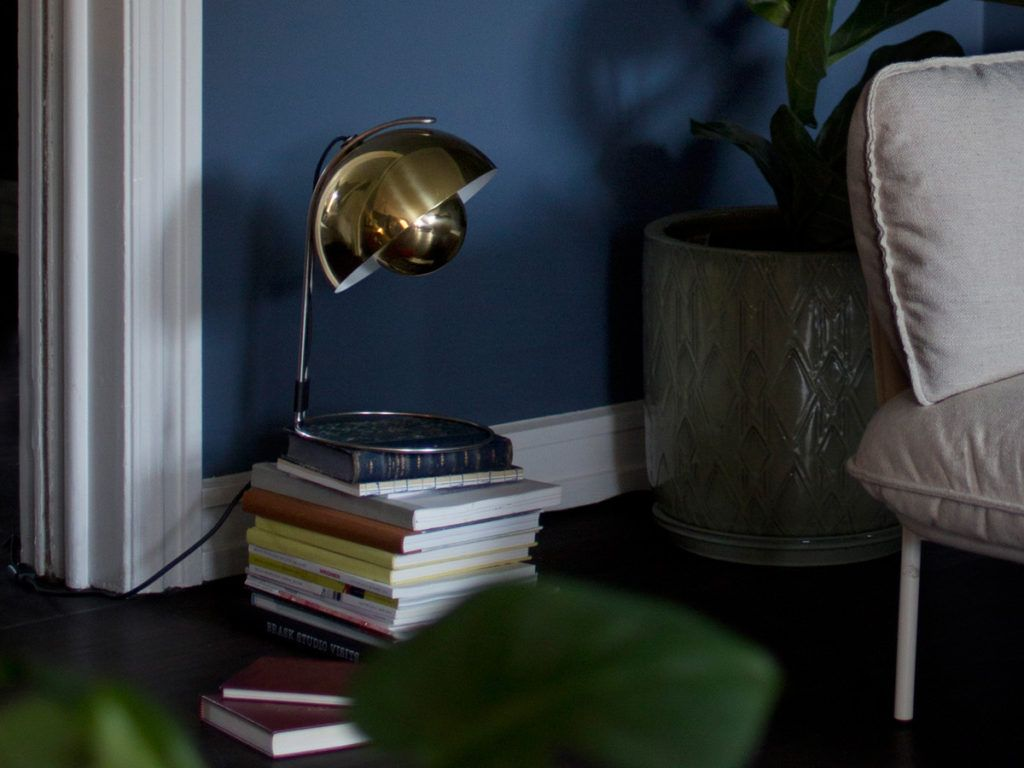 Flowerpot Vp4 Table Lamp By Verner Panton Represents The World Of Design With A Colourful And Playful Aesthetic R Lamp Modern Table Lighting Brass Table Lamps
