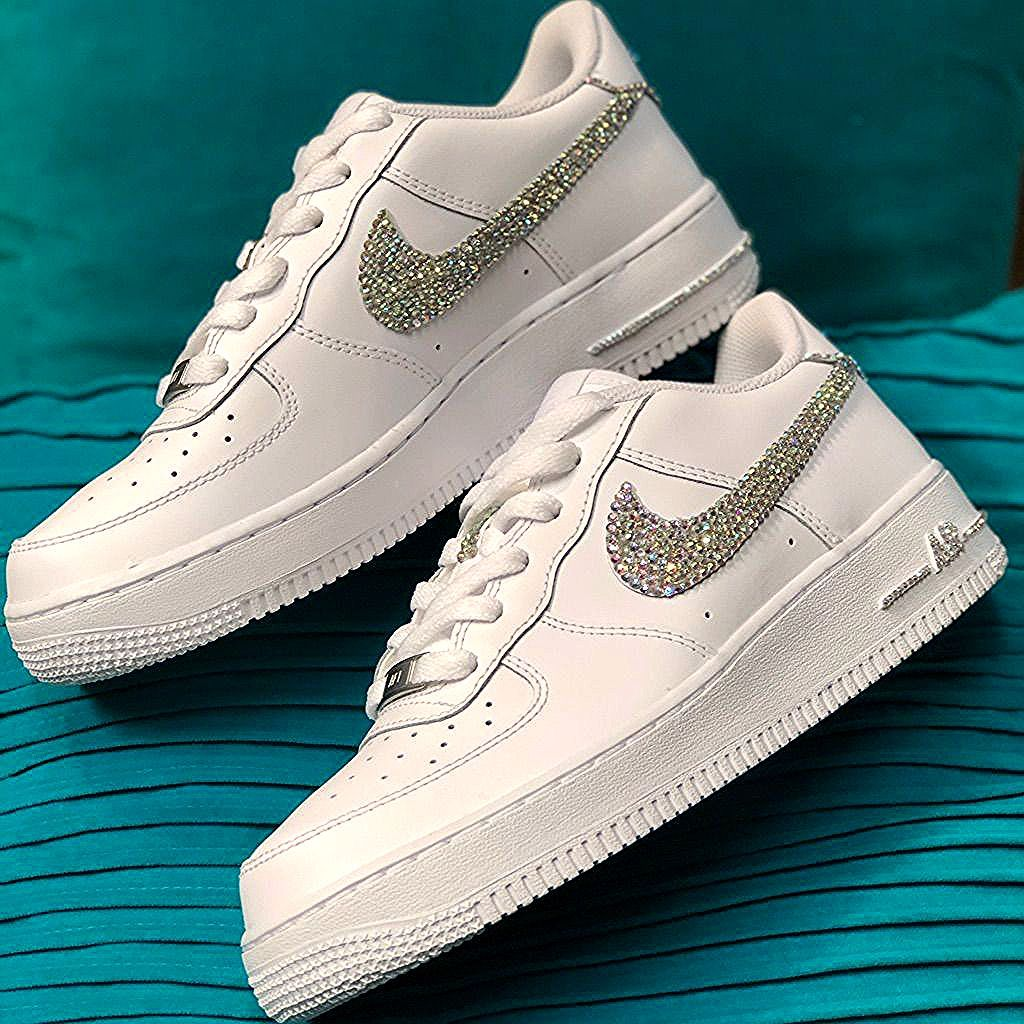 Nike Shoes Brand New Custom Bling Nike Air Force One Low Color White Size Variou En 2020 Zapatos Nike Mujer Zapatos Tenis Para Mujer Zapatos Deportivos De Moda