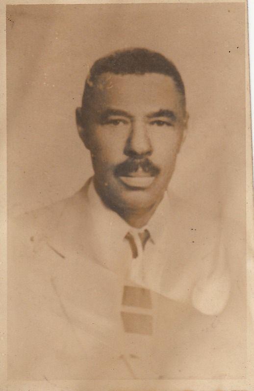 """""""Patron""""   1940   El era el dueño de la propiedad de mi familia    Personas: Don William Rodman Rodman    Colaborador: Mauricio Salazar Salazar  CC_001_004"""