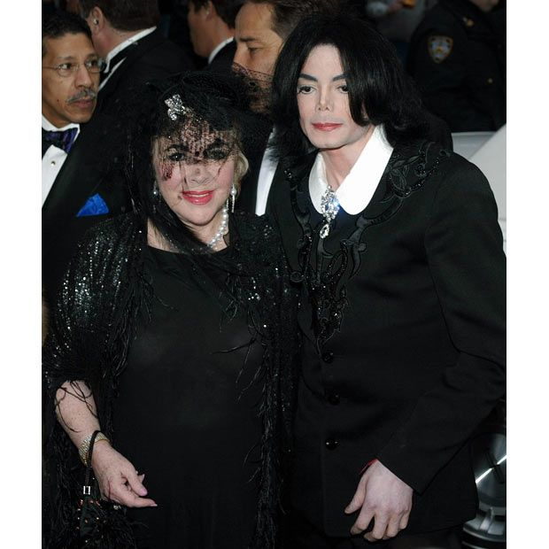 16 March 2002 Michael Jackson And Elizabeth Taylor Arrive At The Wedding Of Liza Minnelli