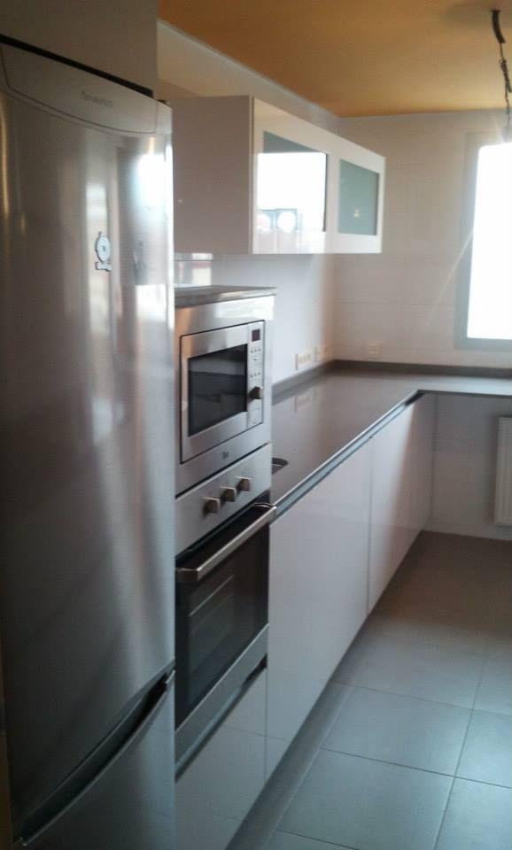 La cocina que Inés adquirió en la tienda DECORactiva Muebles ...