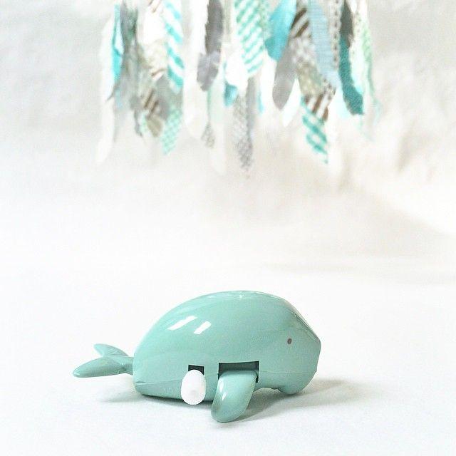 Blue blue as the sea..  #blue #babyblue #feathermobile #babymobile #sea #rain #barnmobil #kidsmobile #nurserymobile #mobile #babyinspo #kidsinspo #barnrumsinspo #whale #kidstoy #spinningwhale #turquoise #ocean #nursery #babydecor