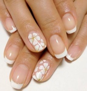 Creative christmas nail designs nails pinterest simple nail one of spring hottest trends is florals which makes it a perfect time to try out some pretty floral nail art check out these 19 awesome floral nail art prinsesfo Image collections