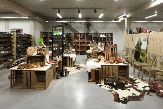 Nice Small Shop Decor · Retail BoutiqueRetail Interior ...