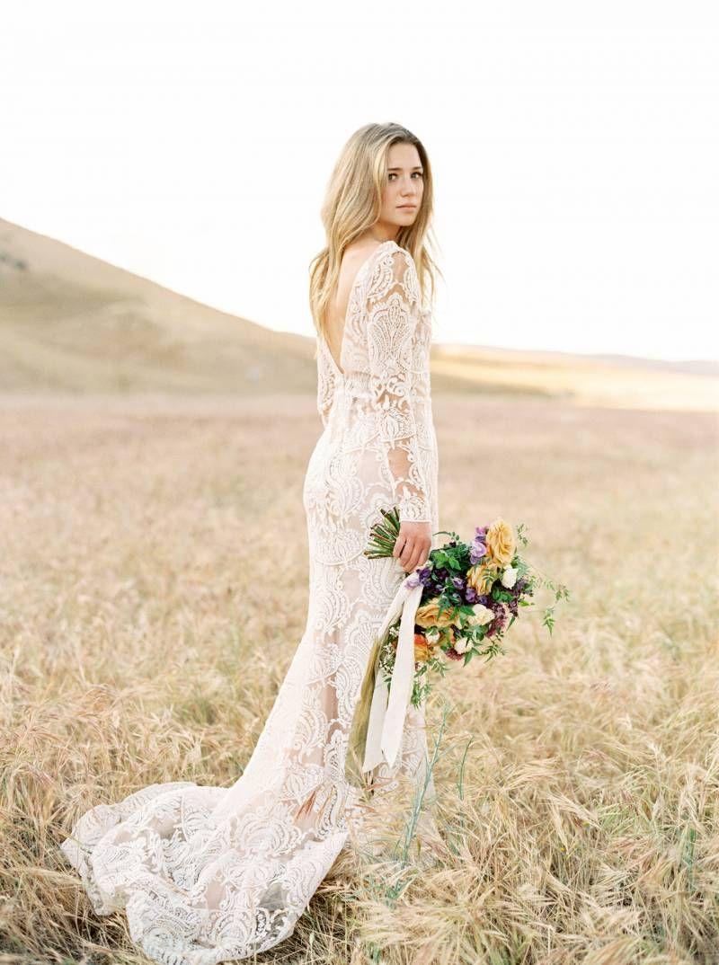 California bridals in fields of wildflowers via Magnolia Rouge