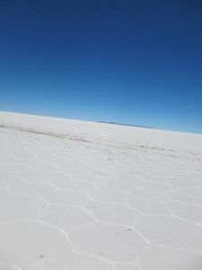 crossing bolivia's (AMAZING) salt flat, salar de uyuni . bucket list item right there.