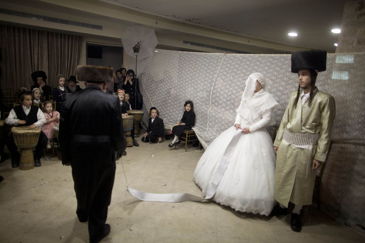 19 Stunning Pictures Of An UltraOrthodox Jewish Wedding