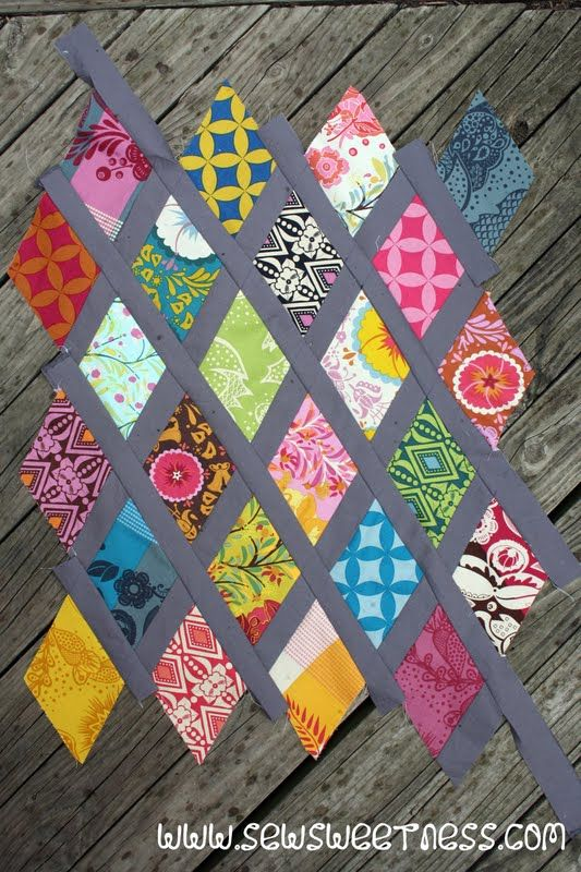 Sew Sweetness: Tutorial: Diamond Lattice Pillow | quilts ... : diamond quilts - Adamdwight.com