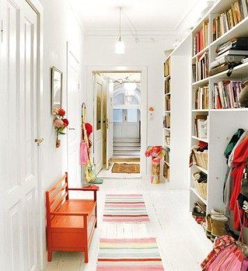 Pasillos decorados con estilo buscar con google hall - Decoracion de entradas de casas ...
