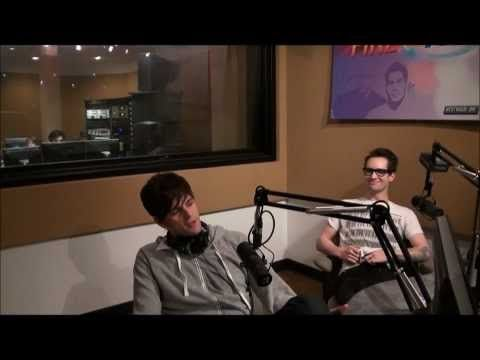 Pin By Lauren Jones On Panic At The Disco Disco Panic At The Disco Funny Moments