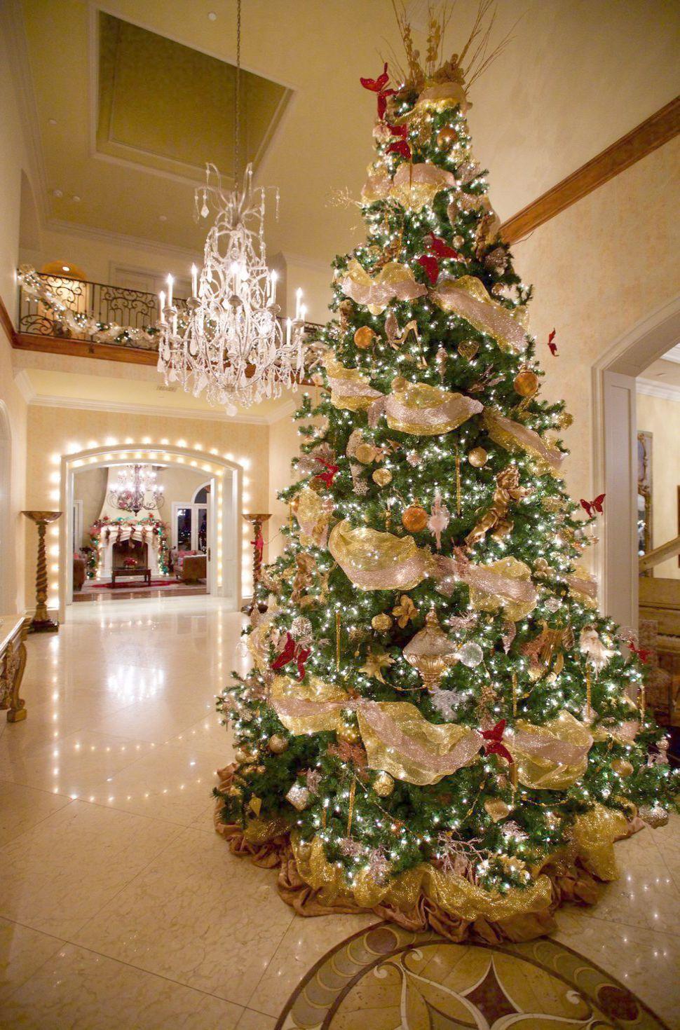 Christmas 2019 London Shows While Christmas Tree Bag Lowes Canada Better Ch Elegant Christmas Trees Best Christmas Tree Decorations Gold Christmas Decorations