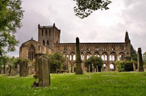 Abbey Ruins in England | Abbey Ruins, Jedburgh