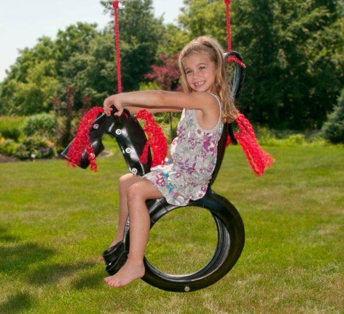 Spielplatz im Garten selber bauen - Schaukel aus alten Reifen ...