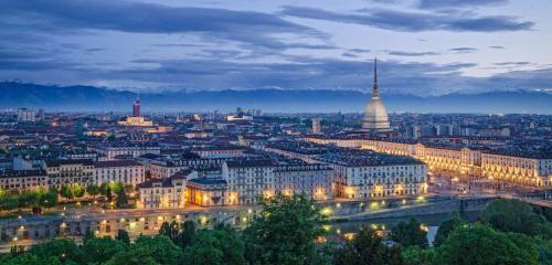 Piemonte: #TURISMO. #Ponte #dell'Immacolata Torino entra nella top five ma è Roma la meta top in Italia (link: http://ift.tt/2heF19V )