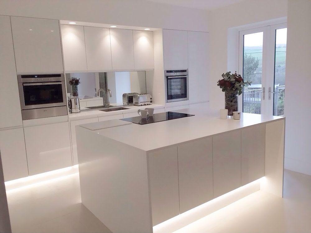 100 idee cucine con isola moderne e funzionali | Kitchens ...