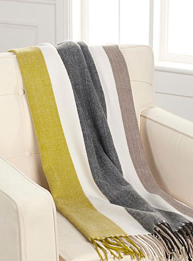 Shop Decorative Blankets & Sofa Throws Online in Canada | Simons