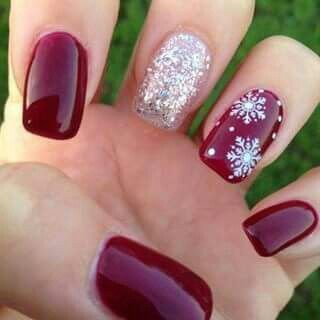CUTE And Simple Christmas Nail Art Idea With Glitter Snowflake Accent