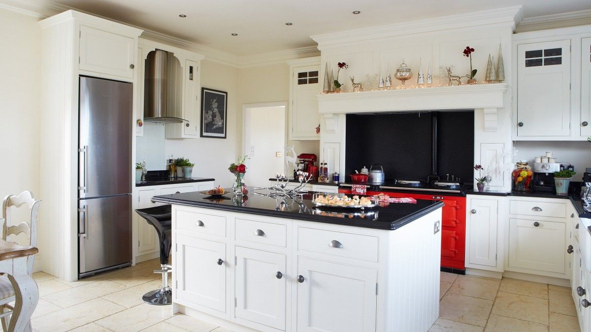 Fabulous Traditional White Kitchen With Red Aga And Black Worktops Download Free Architecture Designs Griteanizatbritishbridgeorg
