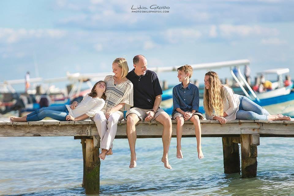 www.photosmilephotos.com | Lidia Grosso Photography |  Family beach portraits Cancun, Cancun photographer, Puerto Morelos Cancun photographer, family vacation photos.
