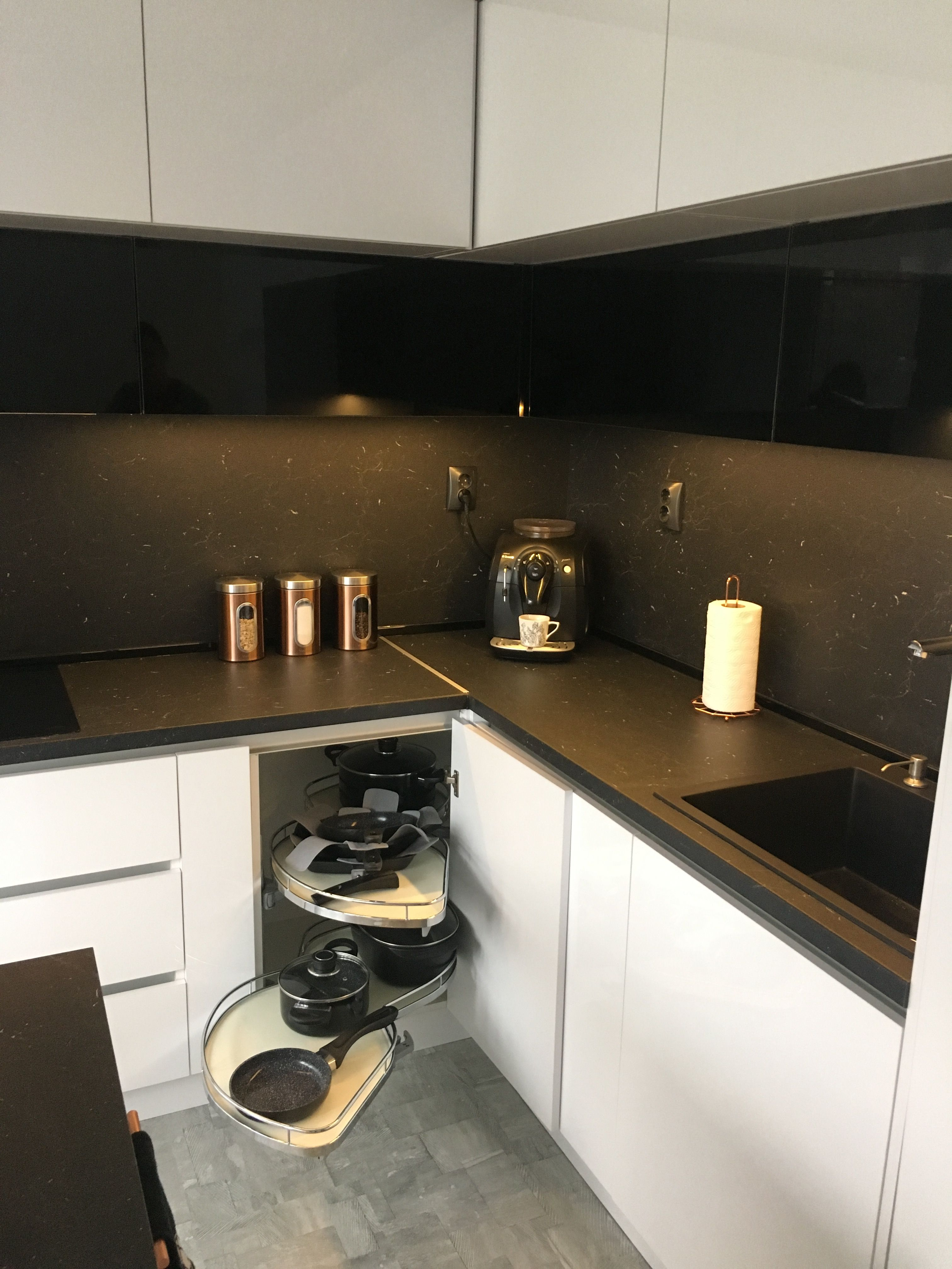 Corner Mechanism With Soft Closing For Cabinet Cabinet Kitchen Cabinets Kitchen