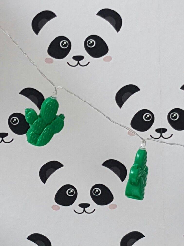 Panda Wallpaper L Panda Behang Of Fabs World Decoration Kinderkamer Inspiratie Inspiration Babyroom Black White Inrichten Panda Wallpapers Kid Spaces Nursery