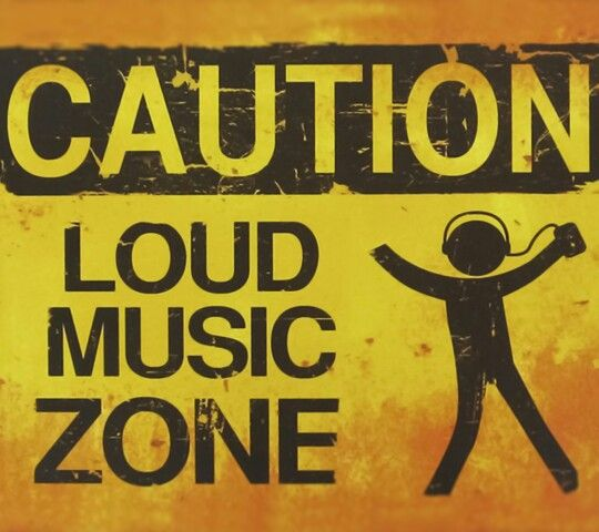 CAUTION! Music Is Life Pinterest Room, Bedroom and Music bedroom