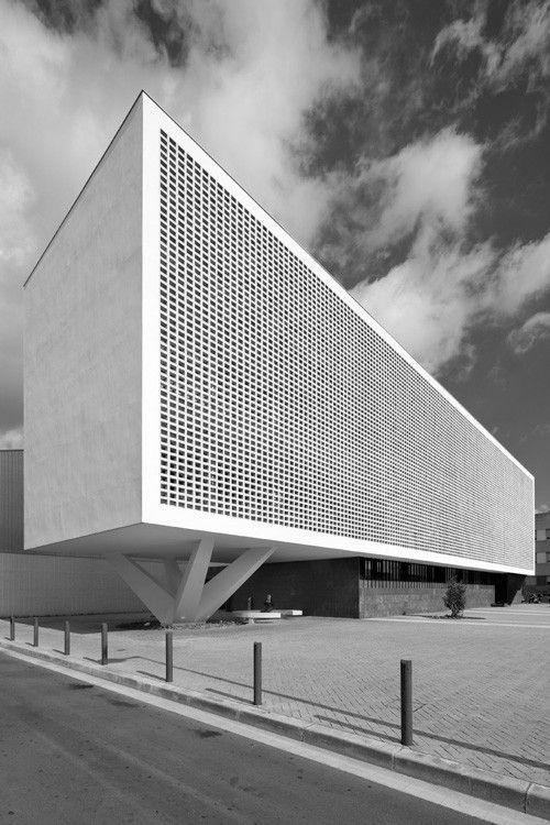 Perforated solid baas arquitectura estudio de - Estudio arquitectura barcelona ...