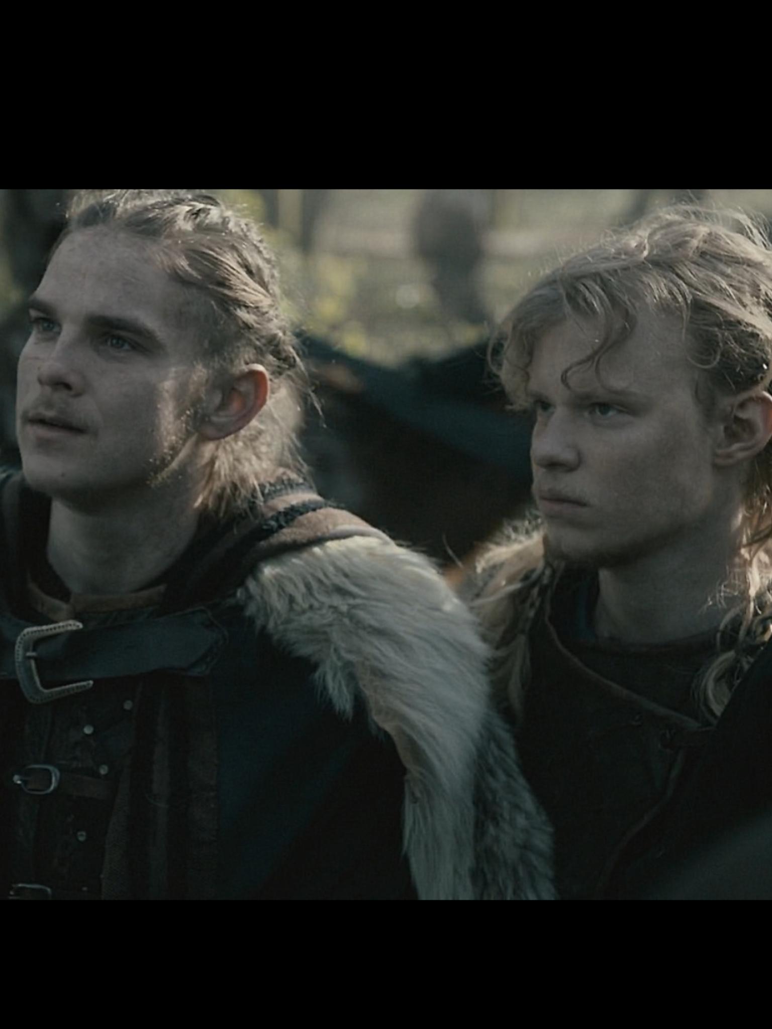 Hvitserk & Sigurd❣️ | vikings! in 2019 | Vikings, Tv