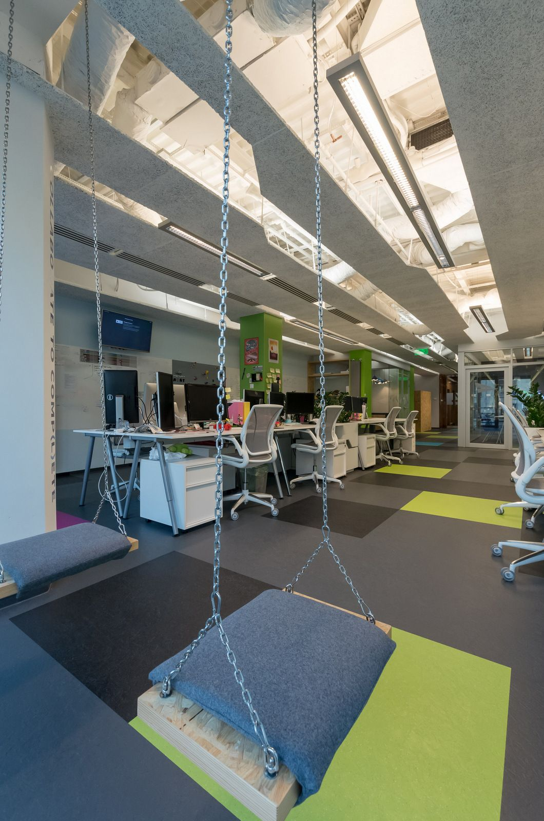 Cool Interior Office Designs With Plants: Office Tour: Skyscanner – Budapest Offices