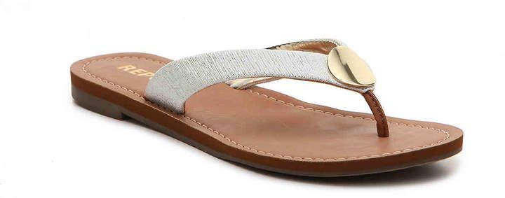 250eb0760 Women Seville Flat Sandal -Gold Metallic