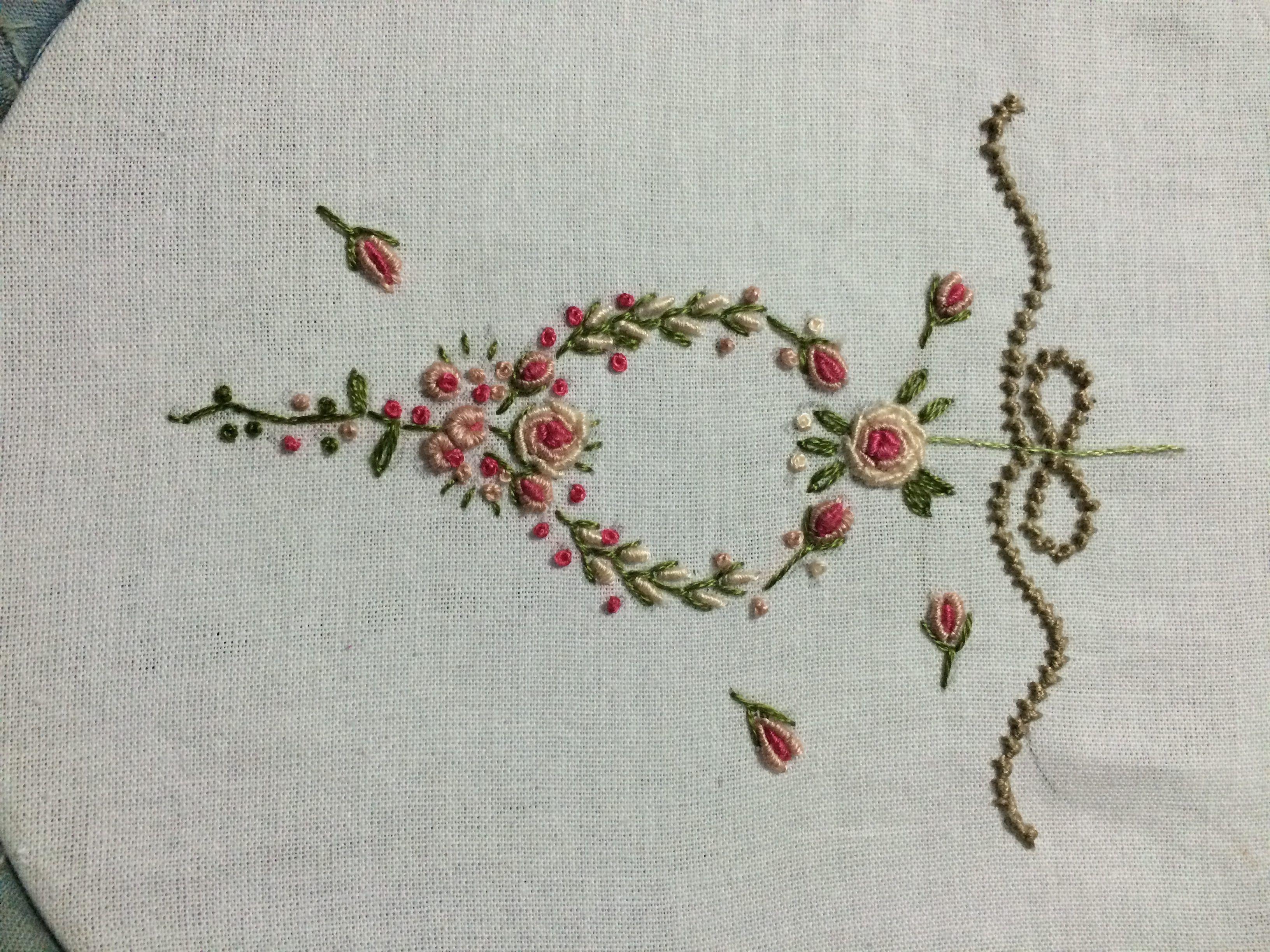 Pingl par carol ann sur embroidery pinterest broderie et tricot - Broderie sur tricot point mousse ...