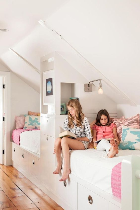 modern attic shared girls 39 room favorite places spaces pinterest kinderzimmer dachboden. Black Bedroom Furniture Sets. Home Design Ideas