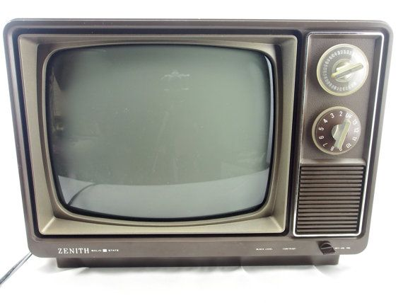 Vintage Zenith Black And White Solid State Tv By Mysistersnook