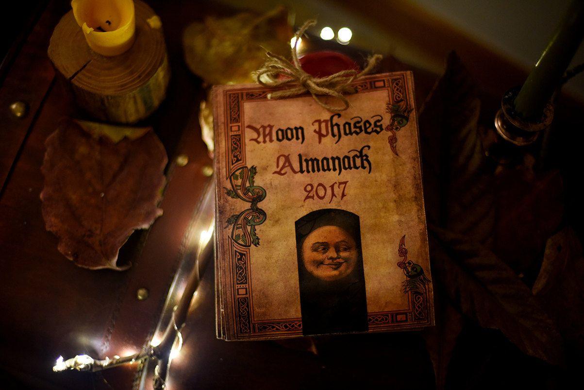 Luna fasi Almanack - calendario 2017 di TheWitcheryCrafts su Etsy https://www.etsy.com/it/listing/260176503/luna-fasi-almanack-calendario-2017
