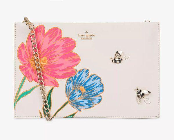 3bef3ff459421 Sommertaschen 2018  Kate Spade Clutch mit Blumen und Metall-Bienen (Hey  Pretty Fashion