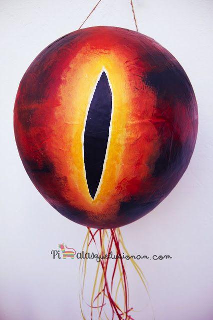 Piñata Ojo de Sauron del Señor de los Anillos
