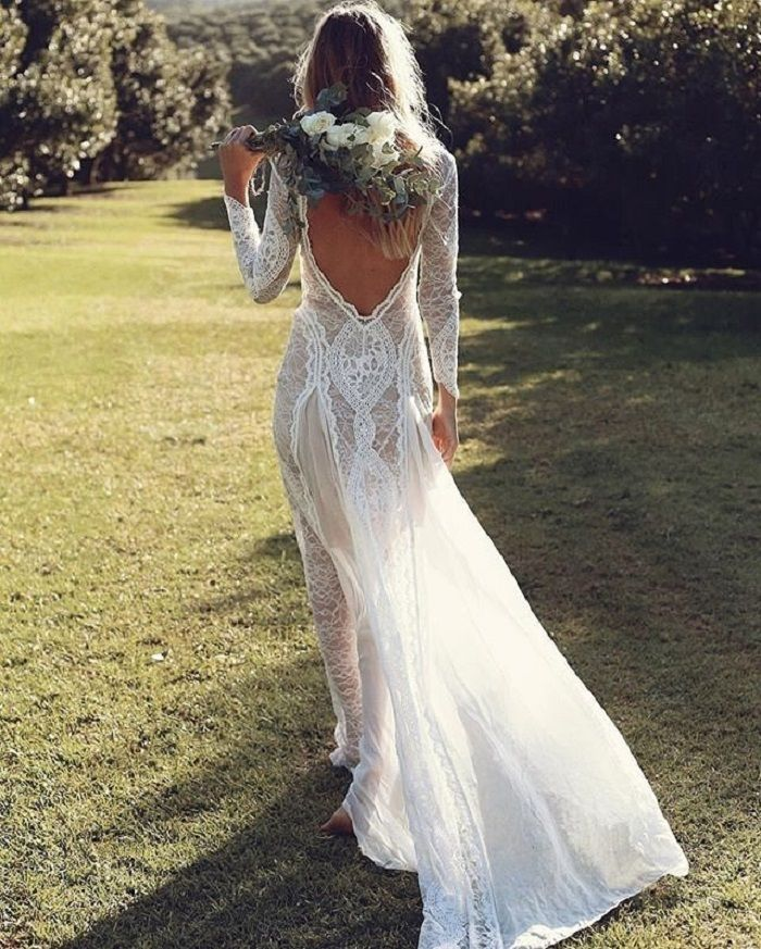 Lace wedding dress with opened back | fabmood.com #weddingdress #weddingdresses #weddinggown